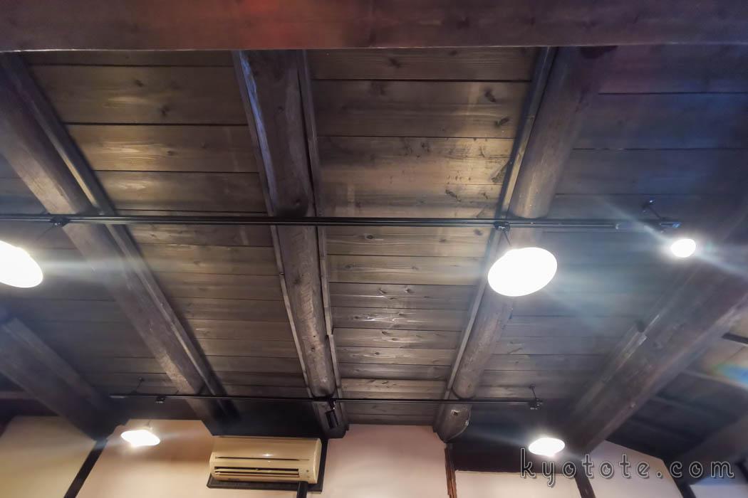 ハイライトカツサンドの天井