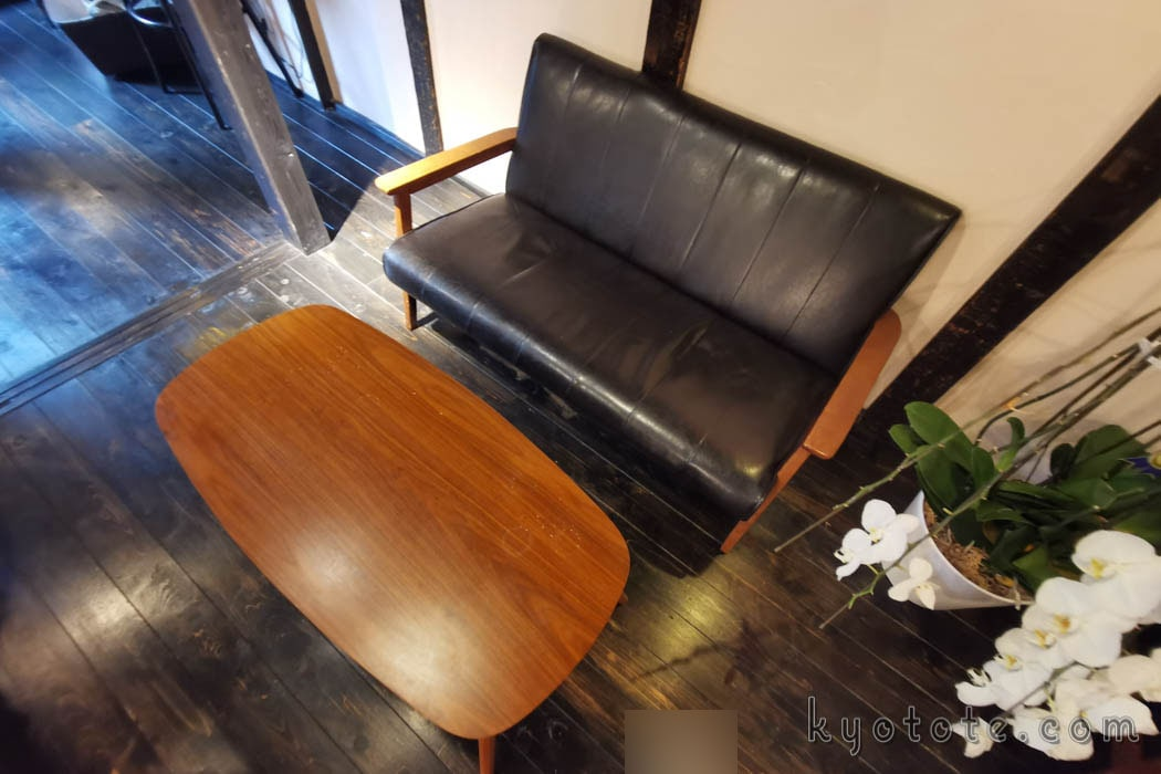 ハイライトカツサンドのソファー