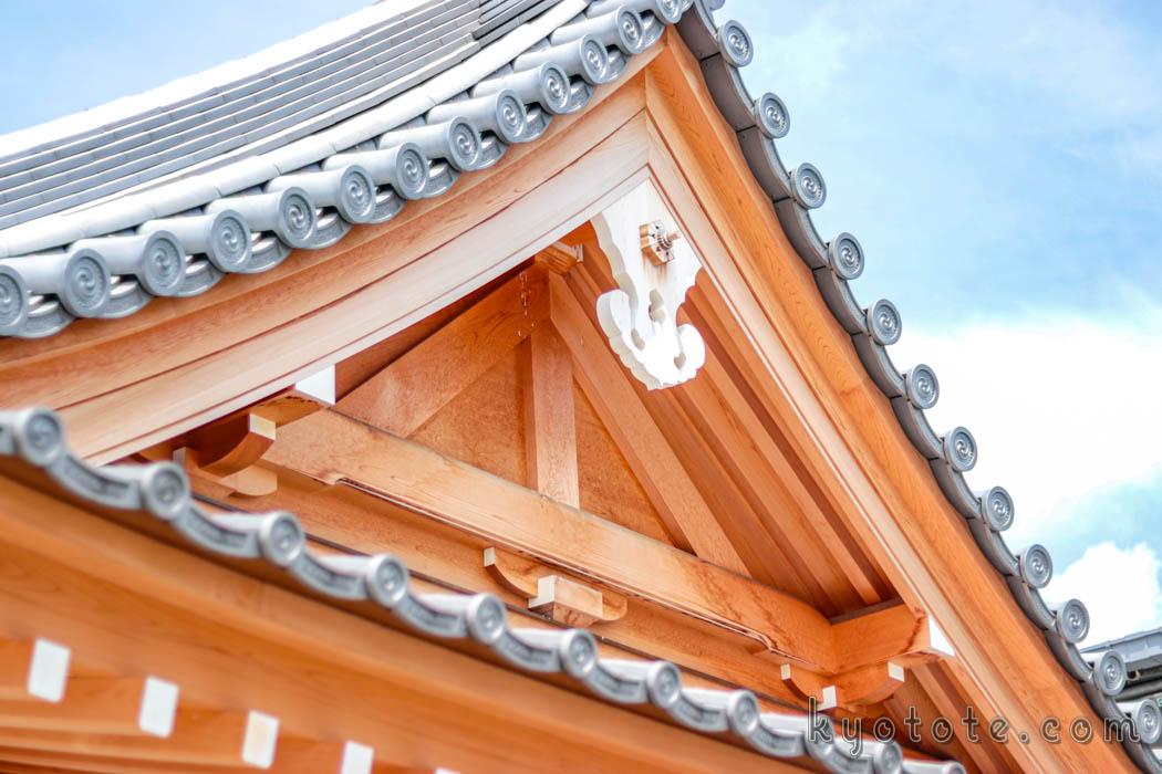 東寺の総工費1億5千万円の観光トイレ