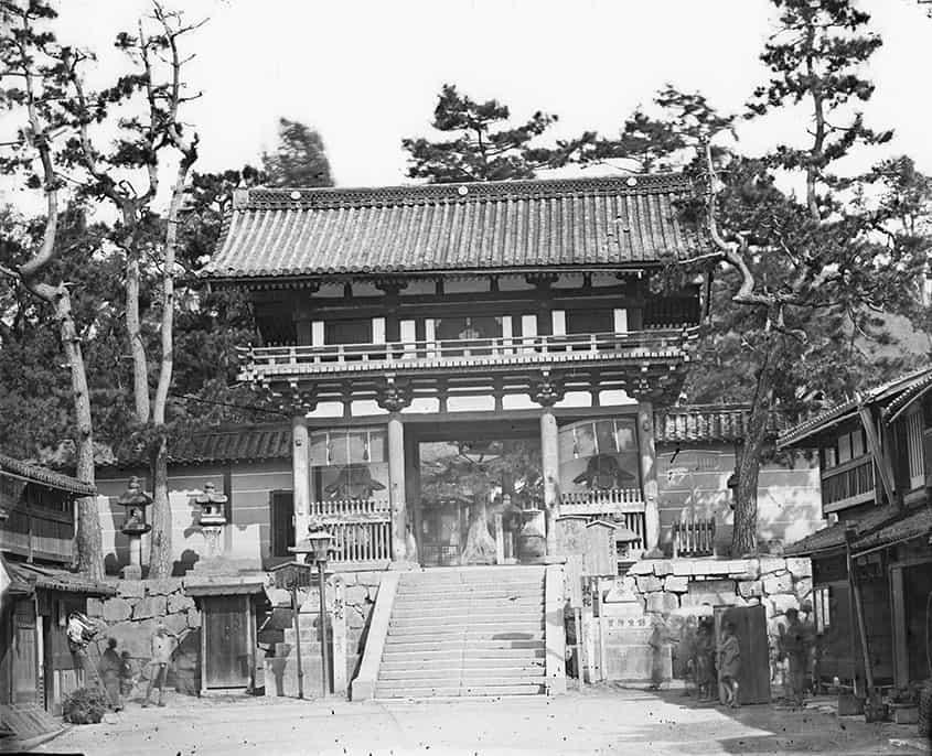 ブラタモリ祇園編で紹介された西楼門