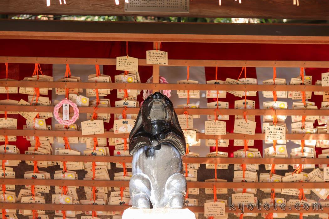 安産祈願で有名な岡崎神社